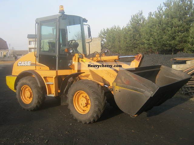 2011 Case  221 D Construction machine Wheeled loader photo