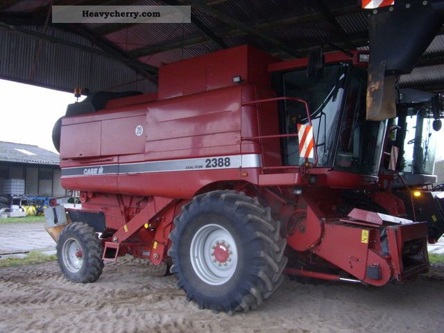 1998 Case  2388 Agricultural vehicle Combine harvester photo