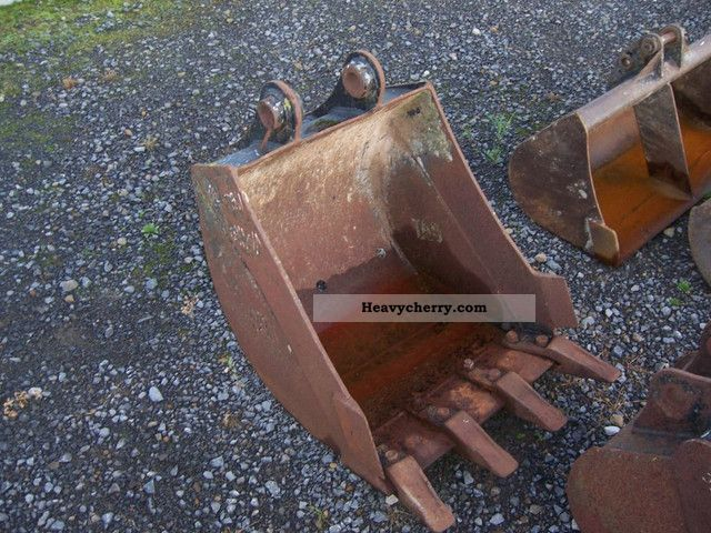 2011 CAT  Bucket with teeth Construction machine Mini/Kompact-digger photo