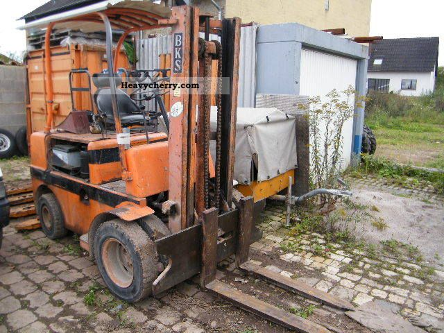 1980 CAT  UCS Forklift truck Front-mounted forklift truck photo