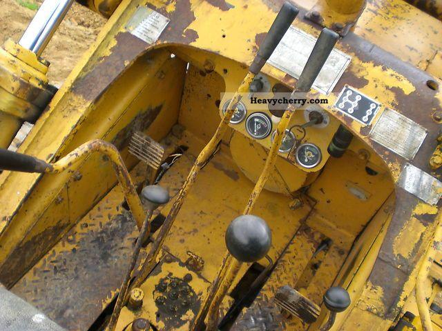 CAT Track Loader 933 2011 Dozer Construction Equipment Photo