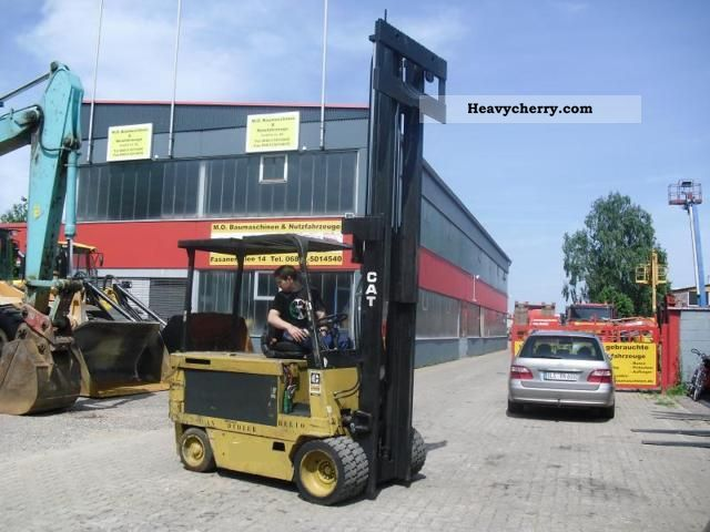 2011 CAT  M100B 4.5 tons Forklift truck Front-mounted forklift truck photo