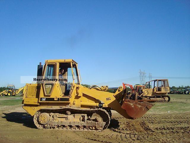 2011 CAT  953 Construction machine Dozer photo