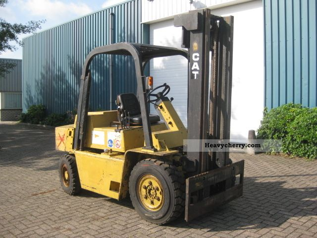 CAT V80 2011 Front-mounted forklift truck Photo and Specs