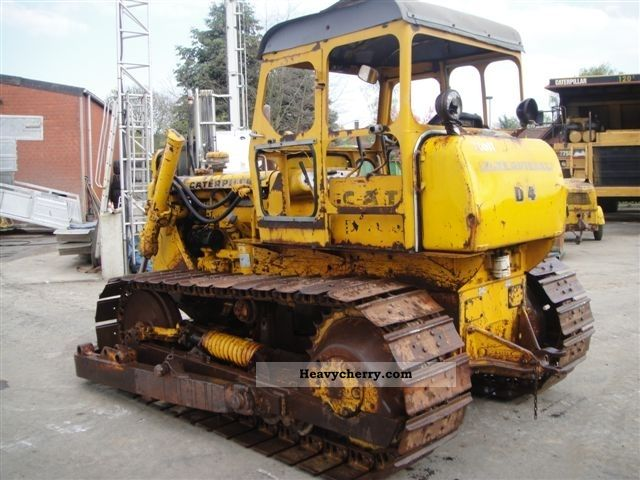 CAT D4 1970 Dozer Construction Equipment Photo and Specs