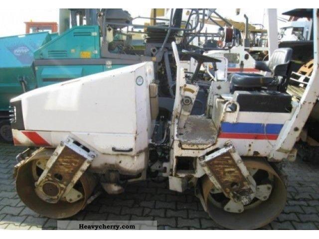 1999 CAT  CB224 Construction machine Compaction technology photo