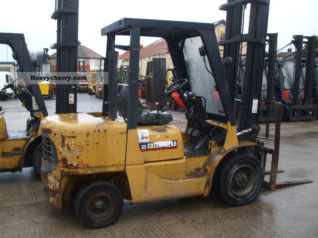 2002 CAT  DP35K Forklift truck Front-mounted forklift truck photo