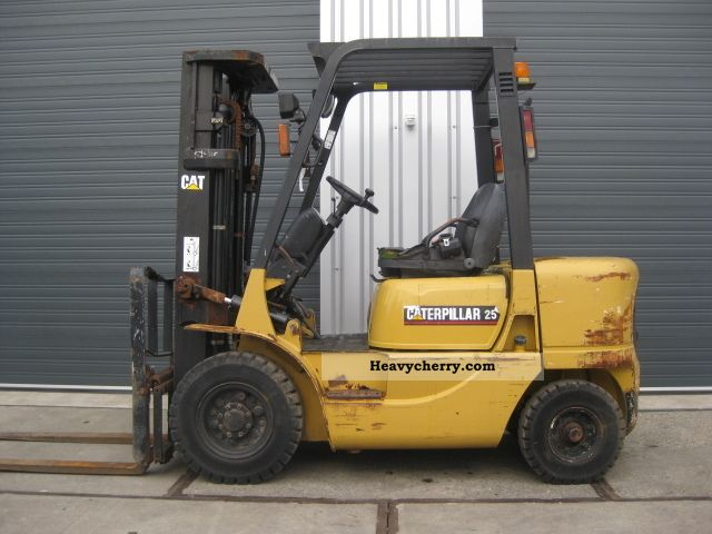 2003 CAT  DP25K Forklift truck Front-mounted forklift truck photo