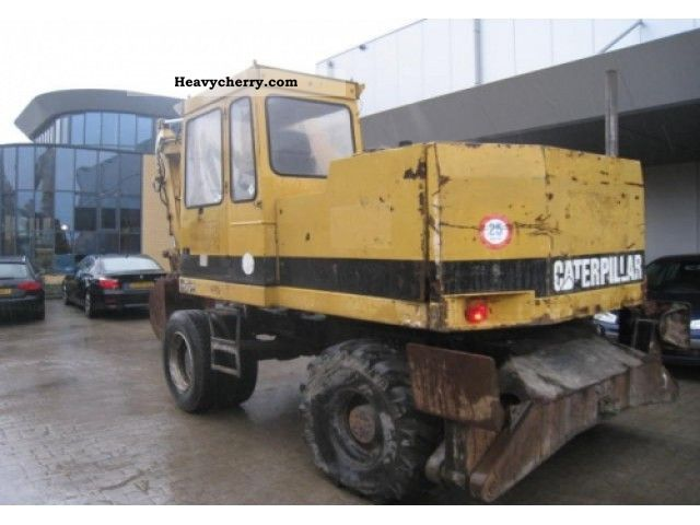 1992 CAT  206BFT Construction machine Mobile digger photo