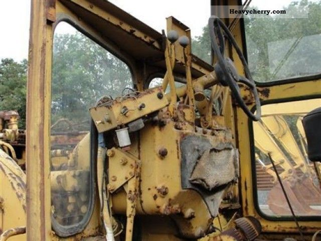 1970 CAT  14E Construction machine Grader photo