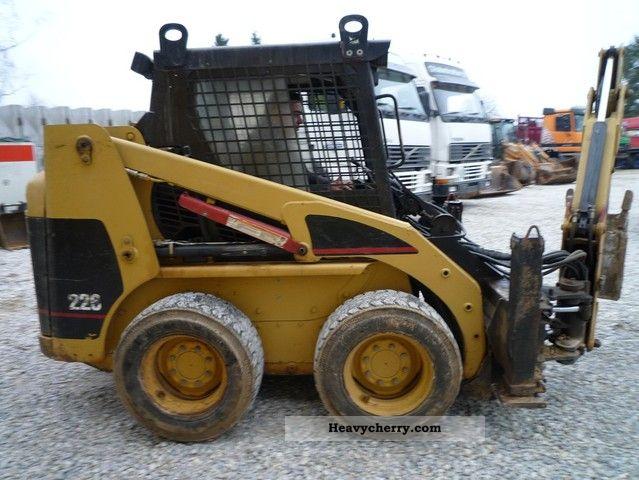 2000 CAT  226 B Construction machine Mini/Kompact-digger photo