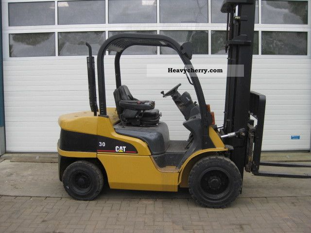 2004 CAT  DP30N Forklift truck Front-mounted forklift truck photo