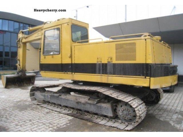1984 CAT  215B Construction machine Caterpillar digger photo