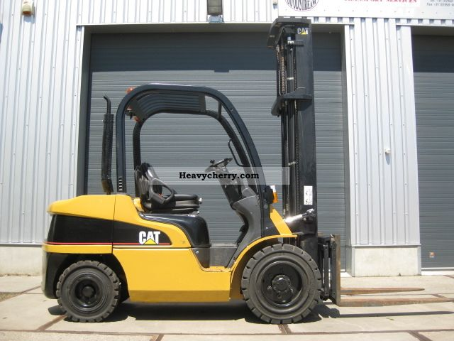 2004 CAT  DP35N Forklift truck Front-mounted forklift truck photo