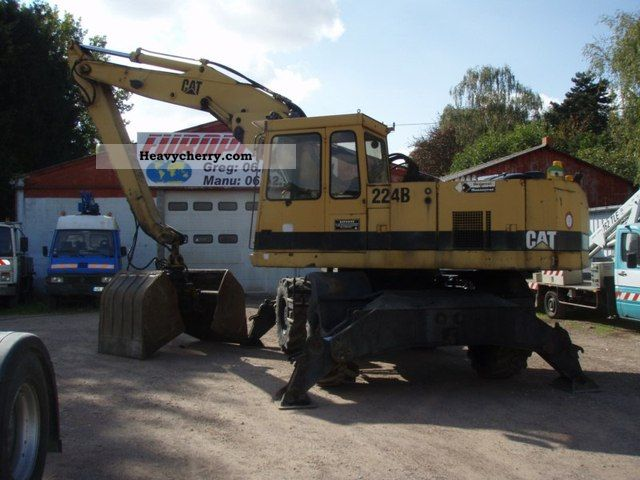 1991 CAT  224B Construction machine Mobile digger photo