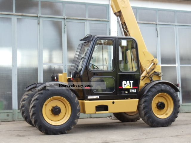 2011 CAT  Caterpilar TH62 TH82 comp Construction machine Other construction vehicles photo