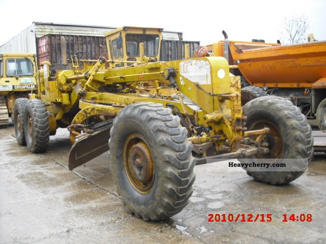 1980 CAT  14D Construction machine Grader photo