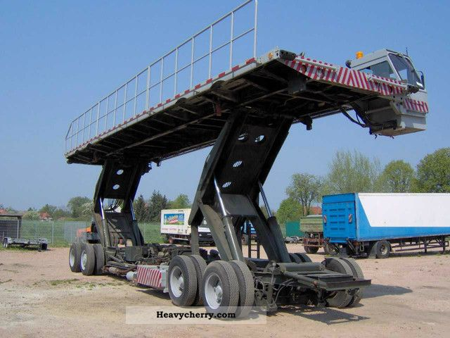 2011 CAT  Loading platform Forklift truck Other forklift trucks photo