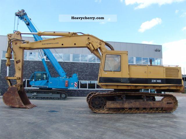 1981 CAT  235 Construction machine Caterpillar digger photo