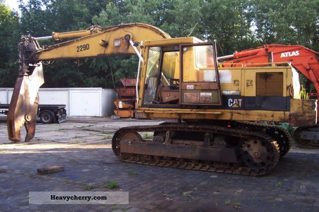 1989 CAT  229 D Construction machine Caterpillar digger photo