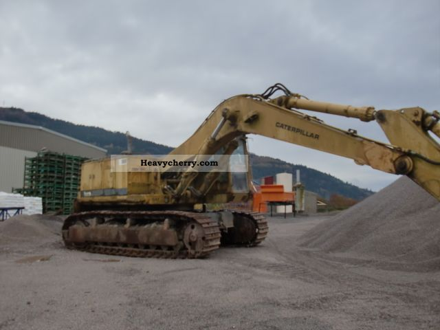 1986 CAT  245 Construction machine Caterpillar digger photo