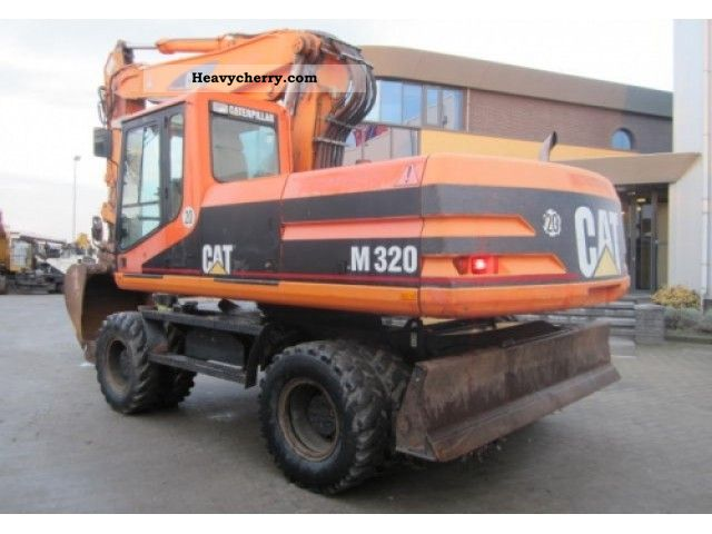 2000 CAT  M320 Construction machine Mobile digger photo