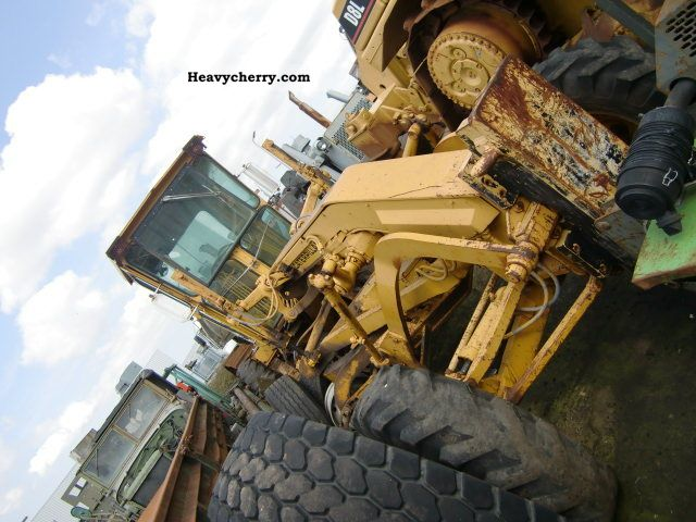 1976 CAT  120 G Grader centerpiece Bj.76 Construction machine Grader photo
