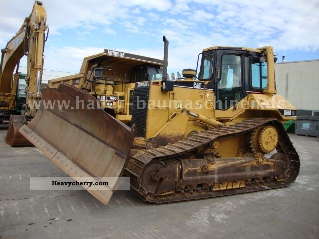 1997 CAT  D 6 M XL Construction machine Dozer photo