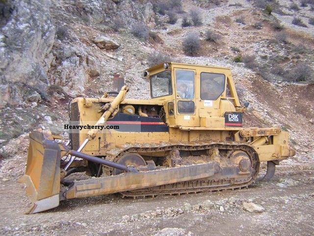 1982 CAT  D8K Construction machine Dozer photo
