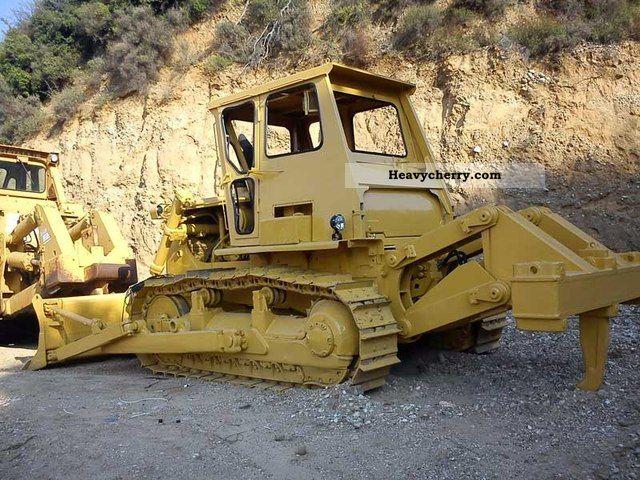 1984 CAT  D7G Construction machine Dozer photo
