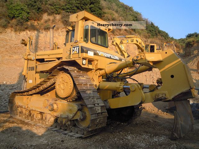 1989 CAT  D10N Construction machine Dozer photo