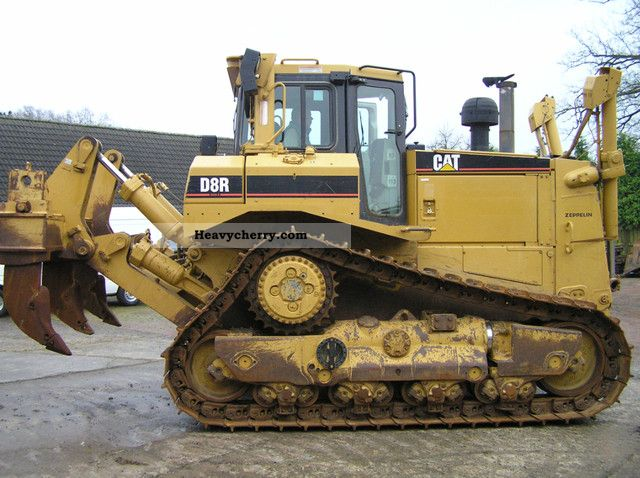 CAT  D8R Series II with ripper 2005 Dozer photo