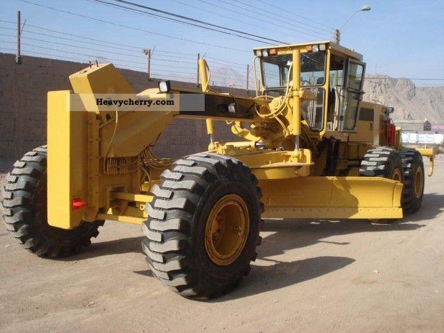 2000 CAT  16H Construction machine Grader photo