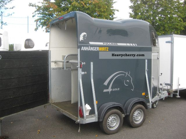 2011 Cheval Liberte  Full aluminum floor polyester Frontausstieg 100 km / H Trailer Cattle truck photo