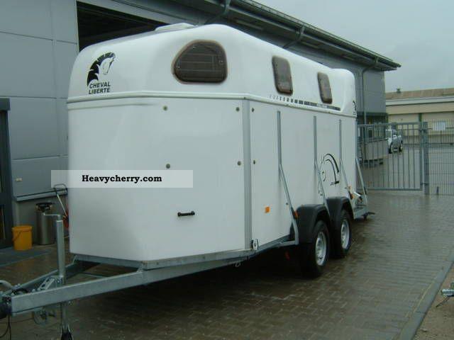 2011 Cheval Liberte  4004 4-horse trailer, aluminum floor Trailer Cattle truck photo
