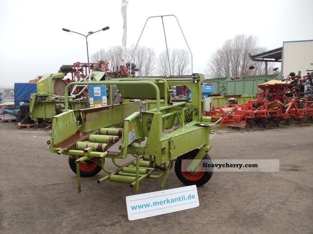 2011 Claas  Ball collection trucks Agricultural vehicle Other substructures photo