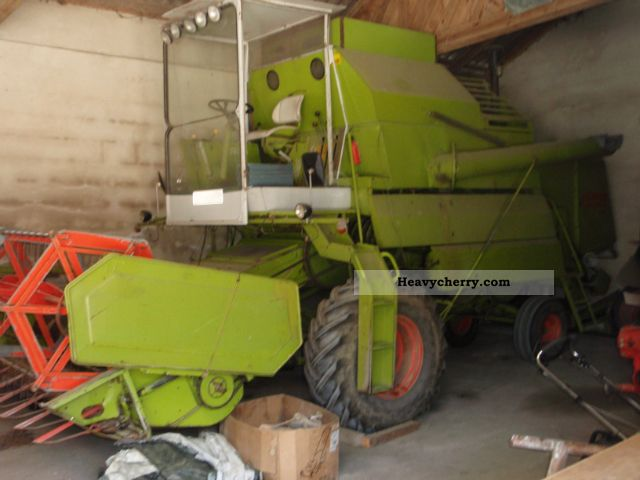 1980 Claas  Mercator 60 Agricultural vehicle Combine harvester photo