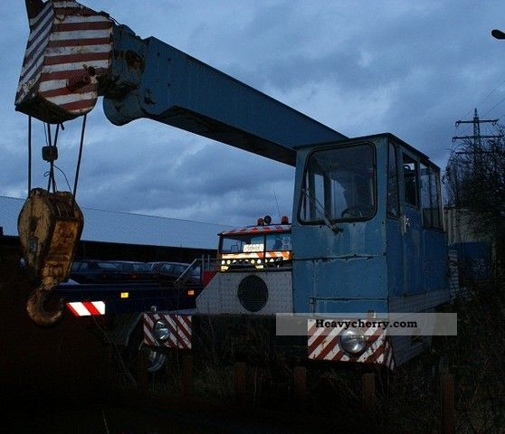 1967 Faun  Demag crane with Truck over 7.5t Truck-mounted crane photo