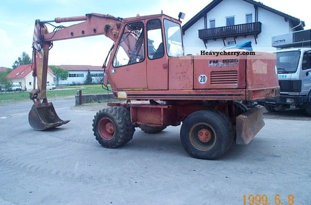 1986 Faun  FM 1025 Construction machine Mobile digger photo