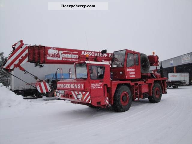 1989 Faun  RTF 30 Truck over 7.5t Truck-mounted crane photo