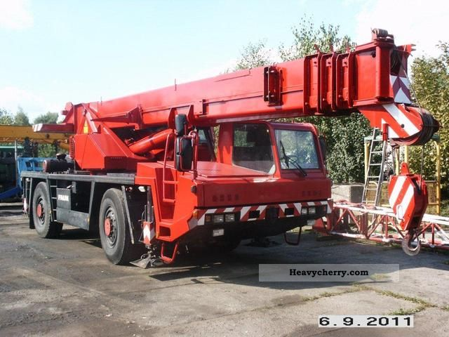 1993 Faun  FAUN RTF 30-2 Truck over 7.5t Truck-mounted crane photo