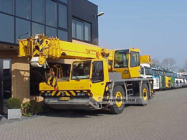 2003 Faun  ATF 30-2L NEUWERTIGE STATE AUTO CRANE 35 ton Truck over 7.5t Truck-mounted crane photo