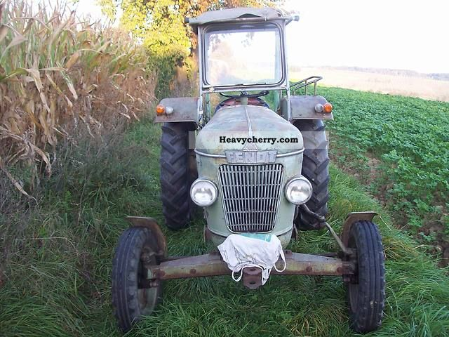 1960 Fendt  Farmer 2 Agricultural vehicle Tractor photo