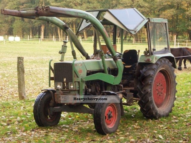 2011 Fendt  105 S Turbomatik Agricultural vehicle Tractor photo