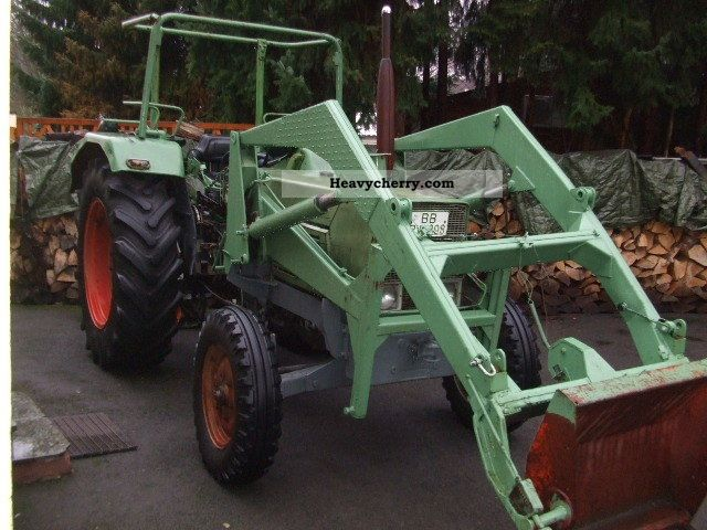 1972 Fendt  106s Agricultural vehicle Tractor photo