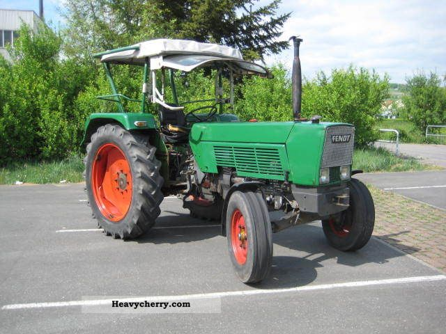 1971 Fendt  105S Top Agricultural vehicle Tractor photo