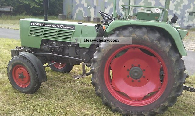 1975 Fendt  103 S Agricultural vehicle Tractor photo