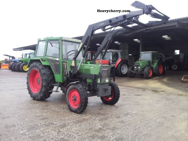 1979 Fendt  108 LS with front loader Agricultural vehicle Tractor photo