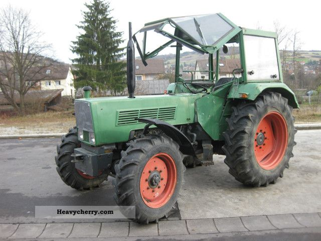 1975 Fendt  108 LSA Agricultural vehicle Tractor photo