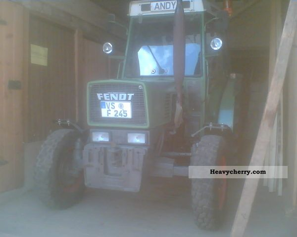 1989 Fendt  240 S Agricultural vehicle Tractor photo